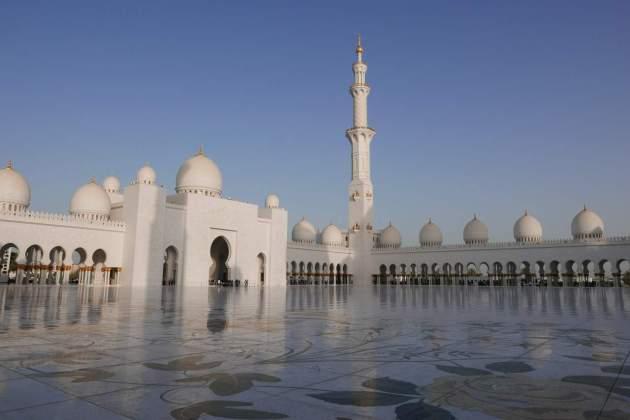 mosque courtyard.JPG