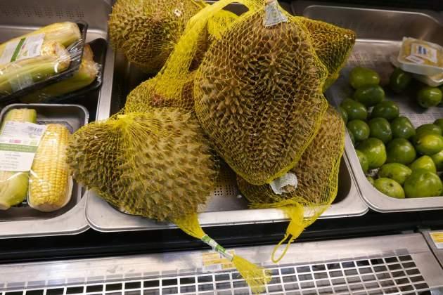 supermarket durian.JPG